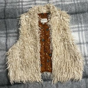 ❤️3 for 60❤️ Cute cozy faux fur vest shearling